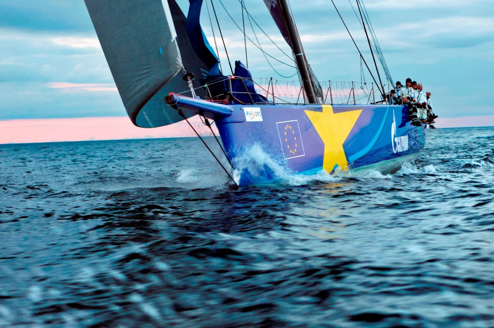 Crossing the finish line at ÅF Offshore Race